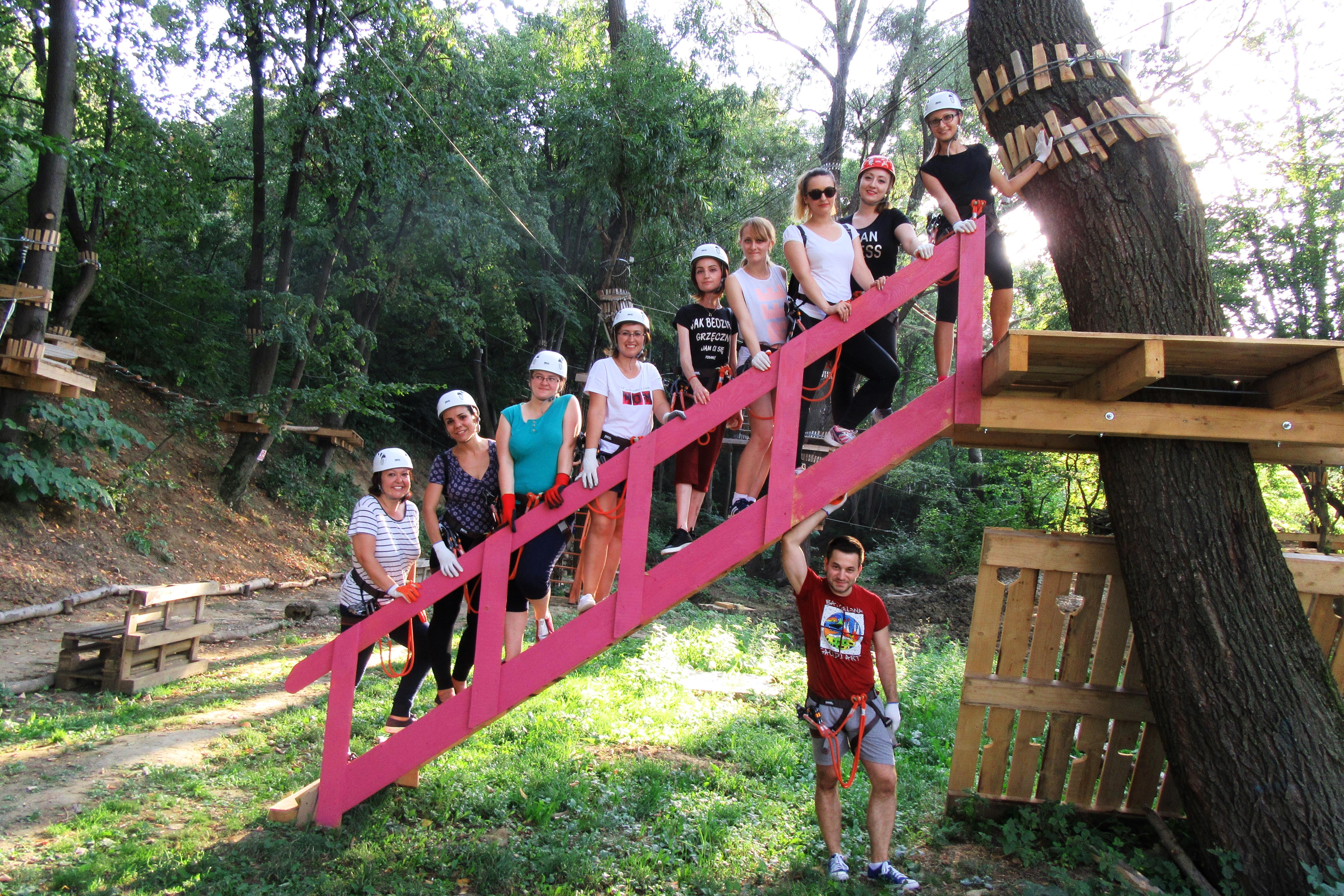 Aventuri native la înălțime/ Cum să scrii noua carte a junglei